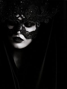 Edita Vilkeviciute wit a Philip Treacy Headpiece for Valentino. Photo by Karl Lagerfeld, Vogue Germany 2009 Dark Beauty, Gothic Beauty, Edita Vilkeviciute, Looks Halloween, Halloween Night, Lace Mask, Beautiful Mask, Dark Fantasy, Karl Lagerfeld