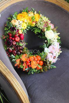 wianek kwiatowy - tendom.pl Elegant Flowers, Fall Flowers, Amazing Flowers, Flower Arrangement Designs, Floral Arrangements, Wreaths For Front Door, Door Wreaths, Easter Wreaths, Christmas Wreaths