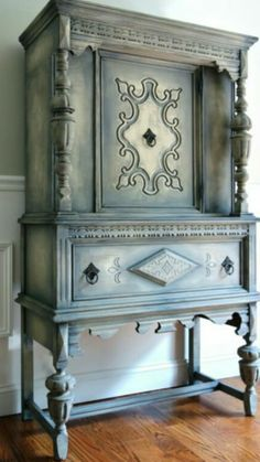 Items similar to SOLD! - Antique Jacobean Hand Painted Cottage Chic Shabby Distressed Grey Cupboard China Hutch / Display Cabinet on Etsy Chalk Paint Furniture, Diy Furniture Projects, Hand Painted Furniture, Furniture Makeover, Refinished Furniture, Antique Furniture, French Country Cottage, Cottage Chic, Country Style