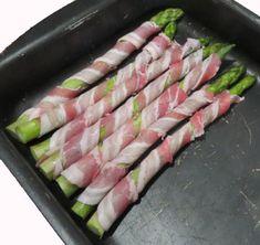 grüner Spargel im Bacon-Mantel im Ofen zubereiten