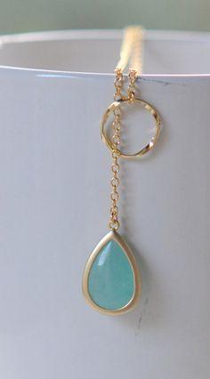 Gorgeous teardrop necklace