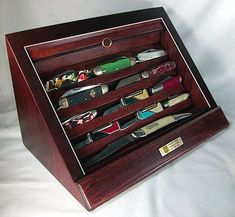 A display case presents the inner-self of the creator. With a look at the display case, you can know the person inside. There are DIY display case ideas. Knife Storage, Diy Storage, Storage Ideas, Book Storage, Action Figure Display Case, Knife Display Case, Diy Vanity Mirror, Diy Knife, Diy Shadow Box