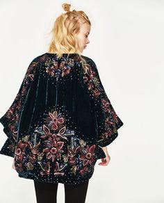 Image 4 of SEQUINNED KIMONO from Zara