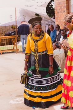 African Beauty, African Fashion, South African Traditional Dresses, Xhosa Attire, Plus Size Fashion Dresses, African Dresses For Women, Blouse And Skirt, African Prints, Weeding