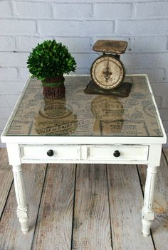 Chalk painted end table. Pretty end table makeover! Add patterned burlap or fabric under a glass tabletop. See more ideas http://canarystreetcrafts.com/