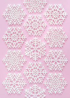 Christmas Perler bead patterns free download Melty Bead Patterns, Pearler Bead Patterns, Beading Patterns Free, Perler Patterns, Weaving Patterns, Knitting Patterns, Fun Patterns, Embroidery Patterns, Mosaic Patterns