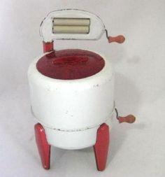 Vintage Tin Wolverine Toy Wringer Washing Machine