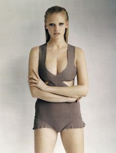 Go Figure with Lara Stone for UK Vogue 2010 - 1