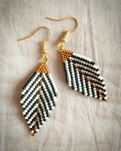 Seed Bead Jewelry, Bead Jewellery, Diy Jewelry, Beaded Jewelry, Jewelry Making, Beaded Bracelets, Beaded Earrings Patterns, Jewelry Patterns, Bead Earrings