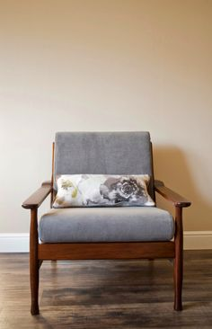 Trudy - Danish mid-century upcycled armchair with cushion par MODOOHome sur Etsy https://www.etsy.com/fr/listing/222714616/trudy-danish-mid-century-upcycled