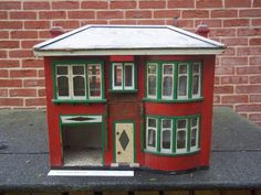VINTAGE LARGE 30s 1;12 th DOLLS HOUSE IN NEED OF RENOVTION COLLED TOOTING HOUSE