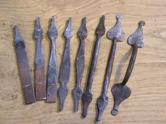 Blacksmith Projects, Welding Projects, Dessin Old School, Magnetic Knife Strip, Blacksmithing, Wrought Iron, Metal Art, Metal Working, Black Smith