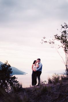Knox Mountain Engagement Photography – Canadian Wedding Photographers http://tailoredfitphotography.com/wedding-photography/knox-mountain-engagement-photography/ | Kelowna Wedding Photographer Tailored Fit Photography