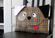 Craft Gossip - http://sewing.craftgossip.com/free-pattern-cute-puppy-throw-pillow/2016/02/01/