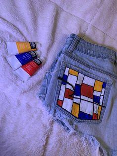 painted denims shorts painted denims p. Painted Jeans, Painted Clothes, Diy Clothes Paint, Denim Paint, Painted Shorts, Diy Jeans, Diy Clothing, Custom Clothes, Denim Kunst