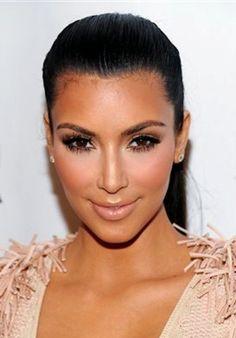 Kim-Kardashian-Makeup-Nude-Lip-Photos