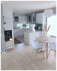 56 suprising small kitchen design ideas and decor 3 Interior Design Ideas Decor Design Ideas Kitchen Small suprising Modern Kitchen Design, Interior Design Kitchen, Minimal Kitchen, Cuisines Design, Home Decor Kitchen, Kitchen Chairs, Kitchen Ideas, Eclectic Kitchen, Kitchen Trends