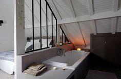 On ne peut rien faire dans les combles ? Si, une chambre ET une salle de bains !