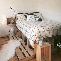 30 Amazing College Apartment Bedroom Decor Ideas and Remodel – Home Design Apartment Bedroom Decor, Home Bedroom, Modern Bedroom, Bedroom Black, Bedroom Ideas, Urban Bedroom, Bedroom Inspiration, Master Bedroom, Bedroom Brown