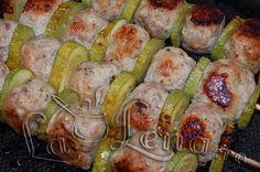 Chiftelute de pui cu dovlecei, la cuptor