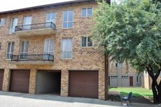 Out of Bounds 75 is a stunning Unfurnished 1 Bedroom Apartment situated in a secure complex in Six Fountains, Silverlakes. 1 Bedroom Apartment, Pretoria, Silver Lake, Lakes, Mansions, House Styles, Outdoor Decor, Home Decor, Decoration Home