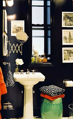 Hmmmm... I think our college dorm bathroom could look like this!