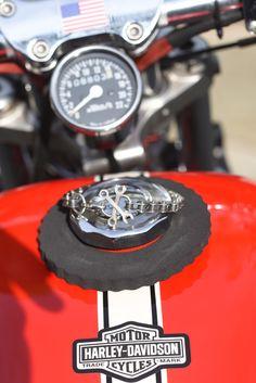 "Bracelet ""Wrenche"" on a Harley Davidson Sportster , davidson, Harley Davidson Sportster, Biker, Motorcycle, Bracelet, Lifestyle, Heart, Happy, Jewelry, Antique Cars"