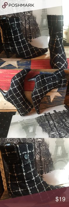 """Newport News tweed ankle boots size 6.5 Black & white tweed textile Boots     Cuffed & button calf detail     2"""" heel     7"""" tall     11"""" wide calf     Inside zippers     Good condition     Smoke free environment  Sc2101317b6  It doesn't have to be new to be AWESOME!! Newport News Shoes Ankle Boots & Booties"""