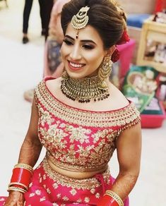 Wedding Blouse Designs - Red boat neck bridal blouse with golden embroidery and heavy border - Best Bridal Blouse Ideas Lengha Blouse Designs, Sari Blouse Designs, Lehenga Blouse, Designer Blouse Patterns, Bridal Blouse Designs, Blouse Neck Designs, Kurta Patterns, Kurta Designs, Stylish Blouse Design