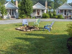 View 13 photos of this 1 bed, 1.0 bath, 400 sqft single family home located at 40 Fish Camp Cir, Newland, NC 28657