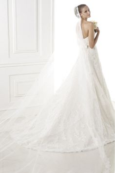 2015 Smart Wedding Dress Sweetheart A Line Court Train With Applique And Sash Beaded