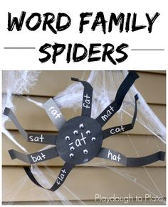 Word Family Spiders- a great way to work on spelling and word families this fall! A fabulously creepy crawly word work activity for Halloween! Word Family Activities, Phonics Activities, Reading Activities, Teaching Reading, Classroom Activities, Teaching Ideas, Reading Groups, Reading Resources, Guided Reading