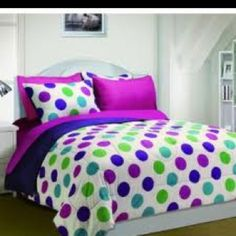 On this page you will see the cutest polka dots comforter sets available! Polka dots comforters are very popular for teen girls! Teen Girl Decor, Teen Girl Rooms, Girls Bedroom, Bedroom Stuff, Bedroom Art, Bedroom Ideas, Polka Dot Bedding, Purple Bedding, Beverly Hills