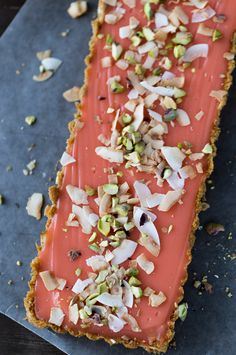 This grapefruit tart recipe starts with a crunchy graham cracker crust with toasted coconut and is filled with a sweet, tangy grapefruit curd. Tart Recipes, Best Dessert Recipes, Fun Desserts, Delicious Desserts, Yummy Food, Grapefruit Tart, Grapefruit Recipes, Citrus Recipes, Coconut Tart
