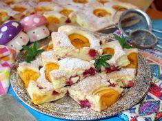 Prajitura usoara cu caise si zmeura Catering, French Toast, Sweets, Cheese, Fruit, Breakfast, Food, Banana, Morning Coffee