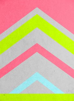 COLOUR WHEEL Bright geometrics. Clashing color combinations will add further energy to the graphic pattern.