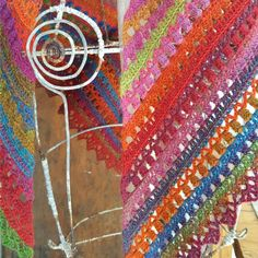 Namaqualand Shawl Pattern:http://www.lookatwhatimade.net/crafts/yarn/crochet/free-crochet-patterns/namaqualand-shawl-pattern/