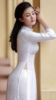 Pin by style & icon on china in 2019 vietnamese dress, beautiful asian Ao Dai, Beautiful Asian Women, Beautiful Indian Actress, Wedding Dresses For Girls, Girls Dresses, Long Dresses, New Long Dress, Long Dress Design, Dress Designs