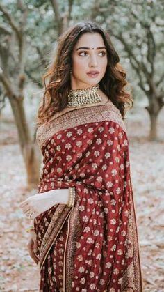 Bridal Sarees South Indian, Indian Bridal Outfits, Indian Bridal Fashion, Indian Fashion Dresses, Indian Designer Outfits, Designer Sarees Wedding, Saree Wedding, Lehenga Choli, Sabyasachi