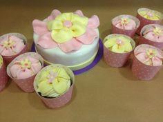 Τούρτες Γενεθλίων - Τούρτα Λουλούδι με cupcakes! #sugarela #TourtesGenethlion #louloudi #flowers #BirthdayCakes