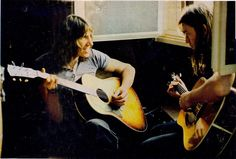 Roger Waters and David Gilmour - Pink Floyd Roger Waters David Gilmour, David Gilmour Pink Floyd, Musica Punk, Psychedelic Bands, Richard Wright, Popular Music, Rock Music, Cool Bands, Dark Side