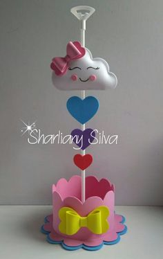 Centro de mesa tema chuva de amor!!!😍😙 Baby Shower Cakes, Baby Boy Shower, Fun Crafts For Kids, Diy And Crafts, Cloud Party, Easy Christmas Ornaments, Ramadan Crafts, Unicorn Crafts, Kindergarten Crafts