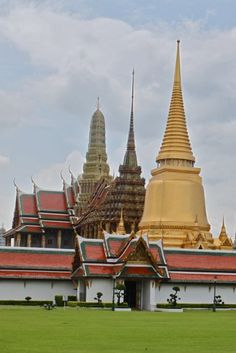 Bangkok's Grand Palace & Temple of the Emerald Buddha: Photo Essay