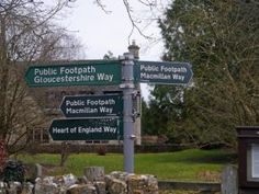 Heart of England Way in the Cotswolds: Good signing in the Cotswolds!