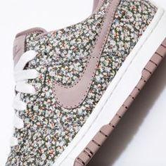 best authentic 74d8a 62eaf Nike Store España. Zapatillas Nike Dunk Low Premium Liberty iD Shoe  Zapatillas Panchas, Zapatillas
