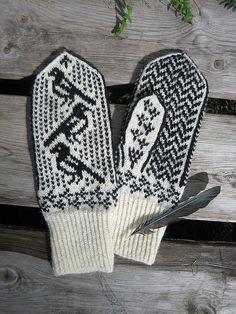 Super Muster für Handschuhe Mag pie mittens with chart by Sitren jungle Mittens Pattern, Knit Mittens, Knitted Gloves, Knitting Socks, Knitting Charts, Knitting Patterns, Crochet Patterns, Tapestry Crochet, Knit Crochet