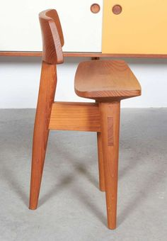 Shop stools and other antique and modern chairs and seating from the world's best furniture dealers. Design Furniture, Wooden Furniture, Chair Design, Cool Furniture, Wooden Chair Plans, Classic Furniture, Modern Chairs, Dining Chairs, Desk Chairs