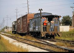 RailPictures.Net Photo: IHB 8814 Indiana Harbor Belt Railroad EMD NW2 at Dolton, Illinois by Dave Schauer