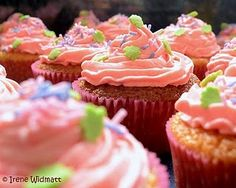 Cupcakes mit Holunderblütensirup *