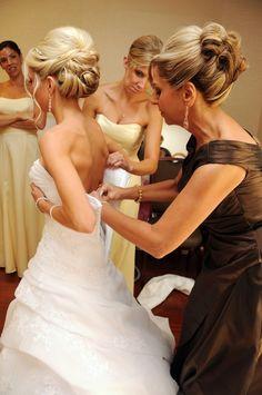 bride getting ready photo idea